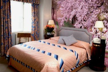 Sakura v interere doma 063