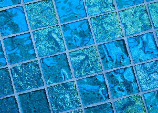 Стеклянная плитка - глянцевый блеск поверхности