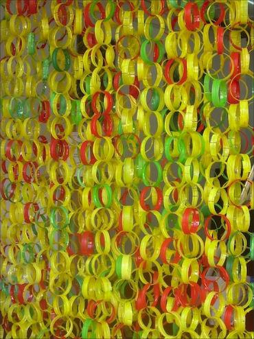 shtori iz plastikovih butilok