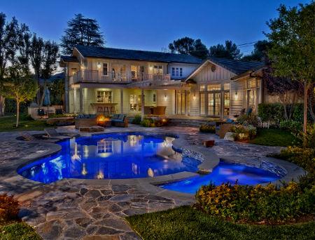 Шикарный дом Селены Гомес в Лос-Анджелесе за 2,9 млн. долларов