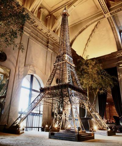 Эйфелева башня в интерьере   фото