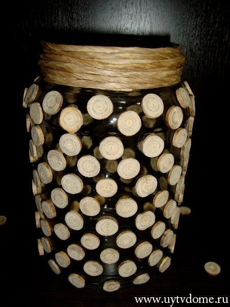 Ваза из деревянных спилов.