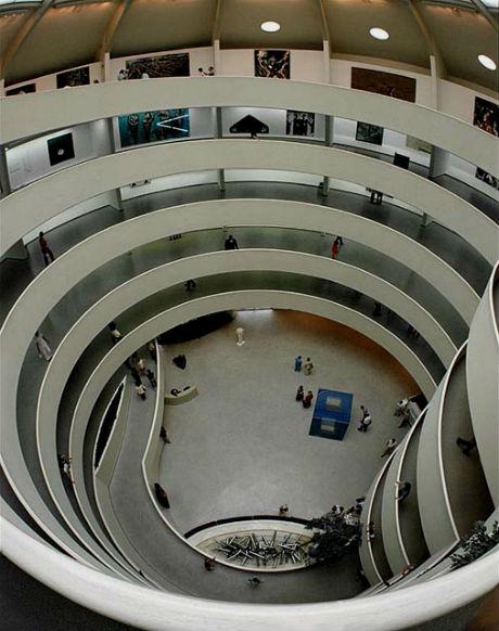 Внутри музея Соломона Гуггенхайма.