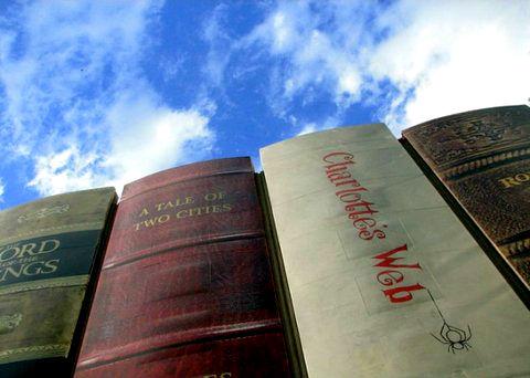 Библиотека в виде книг.