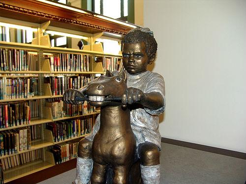 neobicnay-biblioteka-23