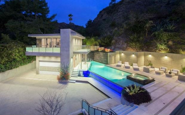 Особняк Рианны в Лос-Анджелес (Западный Голливуд) за 6,8 млн. долларов