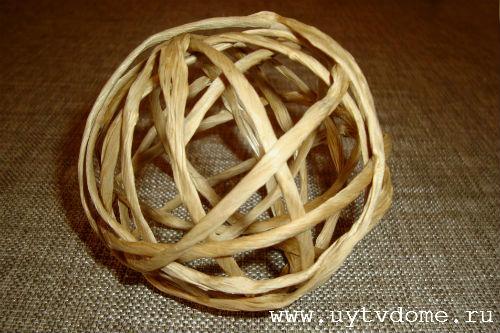Шар на елку из шпагата, плетеный.