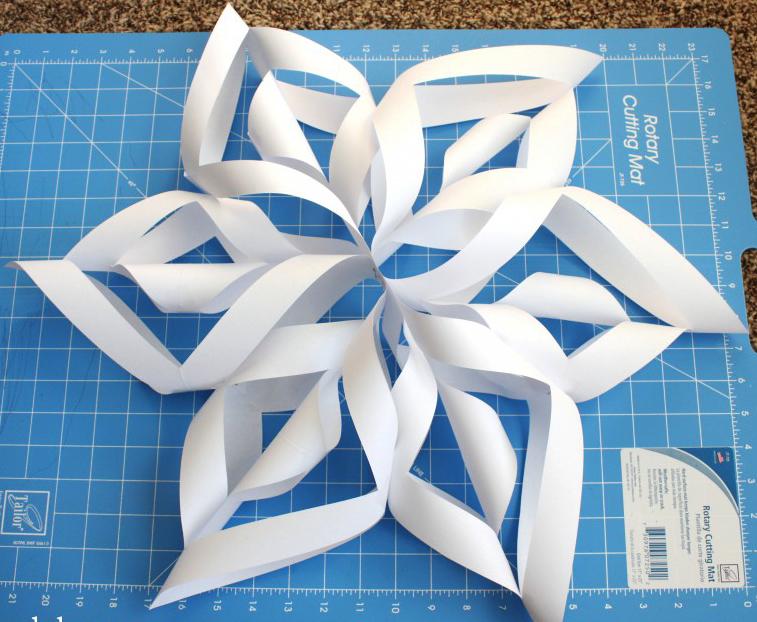Как сделать объемную снежинку из бумаги (11 лучших пошаговых мастер-классов)