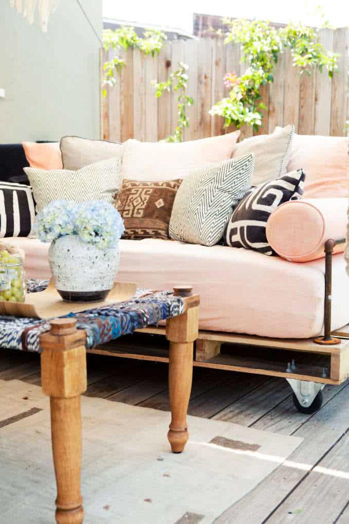 Как сделать диван из поддонов своими руками в модном стиле Лофт