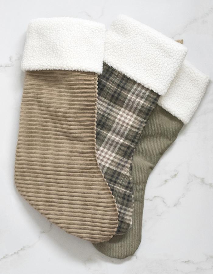 Как сделать Новогодний сапожок или носок для подарков своими руками (мастер-класс)