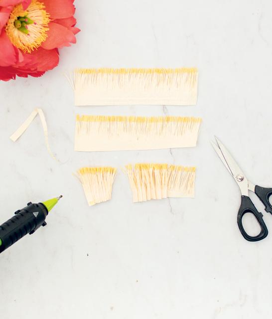 Как сделать пионы из гофрированной бумаги своими руками (пошаговый мастер-класс)