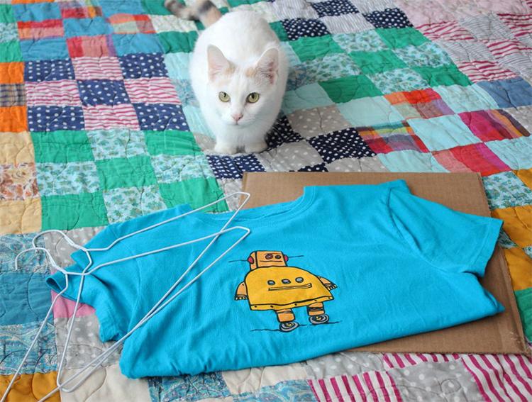 Делаем классный домик для кота своими руками из футболки (мастер-класс)