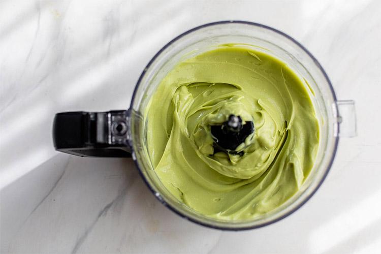 Потрясающе вкусное мороженое из авокадо и сливок (рецепт)