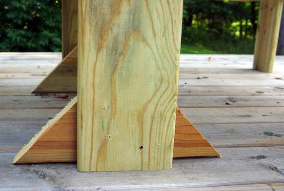 Самый удобный столик для шезлонга или лежака своими руками (мастер-класс)
